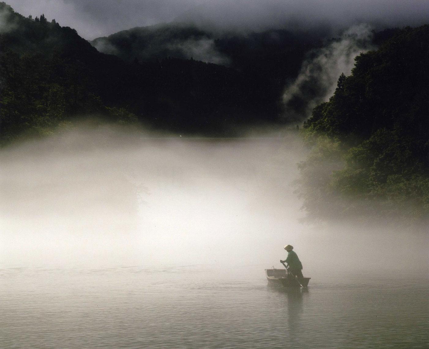 川霧を往く