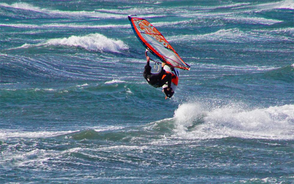 ウィンドサーフィン飛ぶ